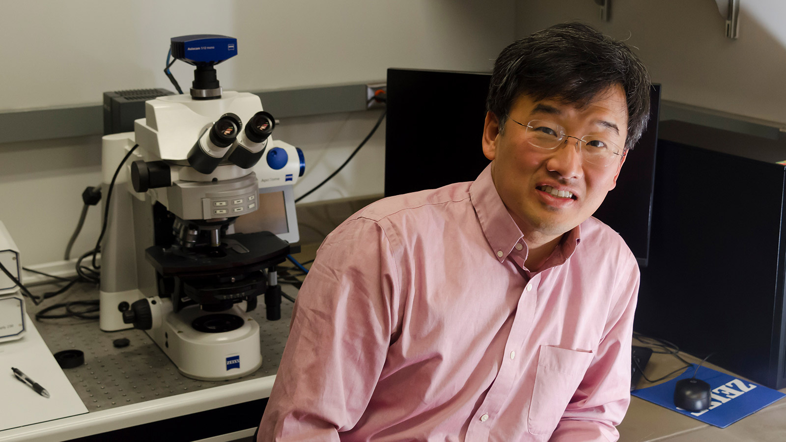 Professor of Biology Dennis Kim bids farewell to the department